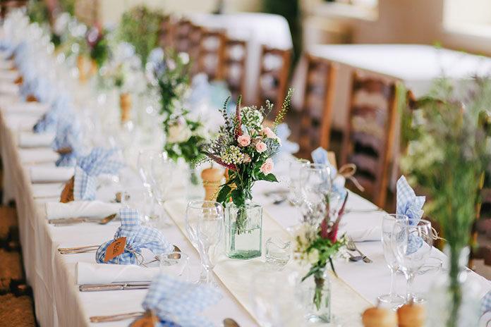 Czym kierować się przy wyborze Sali weselnej?