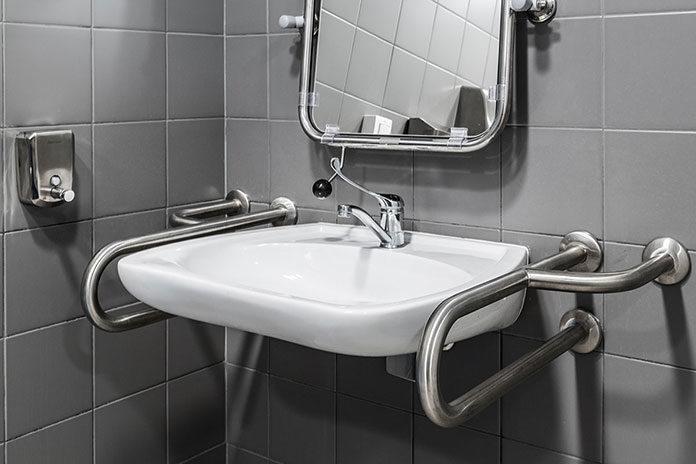 Domowa łazienka dla osoby niepełnosprawnej